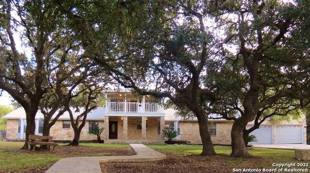 8219 Foxcross Dr, Spring Branch, TX 78070 (MLS #1559366) :: Texas Premier Realty