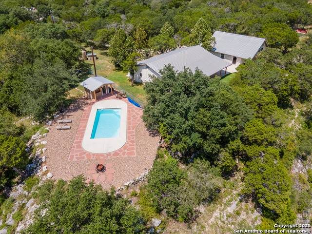 1012 Red Bluff Ranch Rd, Pipe Creek, TX 78063 (MLS #1559588) :: Concierge Realty of SA