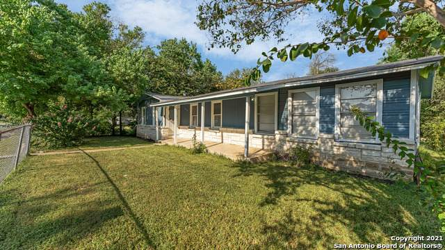 2115 Louise St, Seguin, TX 78155 (MLS #1559792) :: Phyllis Browning Company