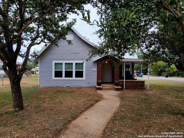 414 Avenue C, Poteet, TX 78065 (MLS #1559830) :: Beth Ann Falcon Real Estate