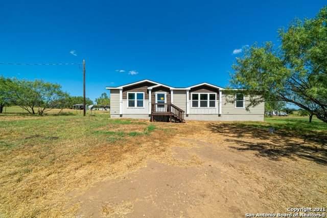 426 Cr 2755, Bigfoot, TX 78005 (MLS #1559860) :: Beth Ann Falcon Real Estate