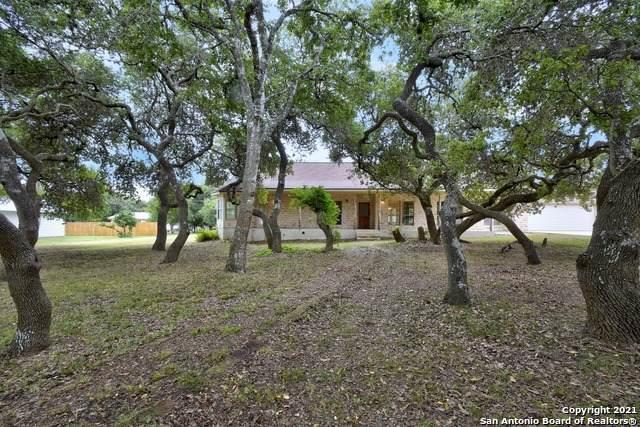 131 Stonegate N, Boerne, TX 78006 (MLS #1559874) :: Concierge Realty of SA