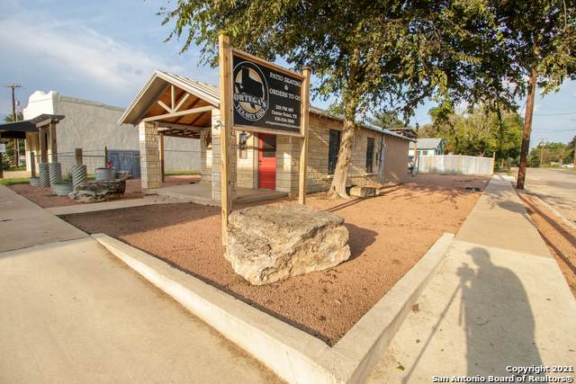 226 Fm 480, Center Point, TX 78010 (MLS #1559879) :: Alexis Weigand Real Estate Group