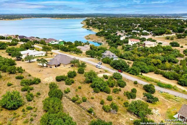 383 Oak Shores Dr, Canyon Lake, TX 78133 (MLS #1560050) :: Concierge Realty of SA