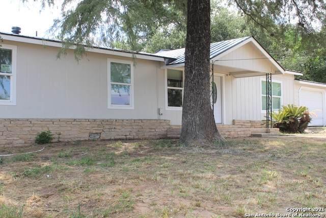 4136 Twin Valley, Von Ormy, TX 78073 (MLS #1560057) :: Concierge Realty of SA