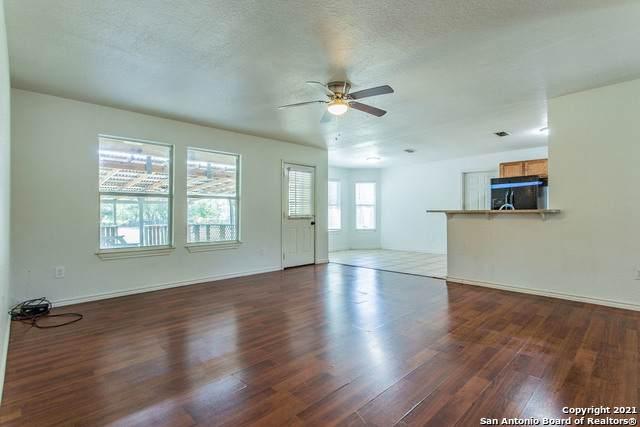 435 Old San Antonio Rd, McQueeney, TX 78123 (MLS #1560138) :: Beth Ann Falcon Real Estate