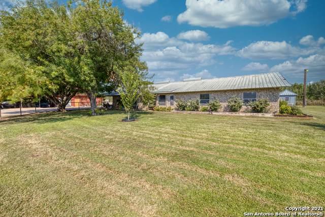 325 Johnson Rd, Uvalde, TX 78801 (MLS #1560153) :: The Lopez Group