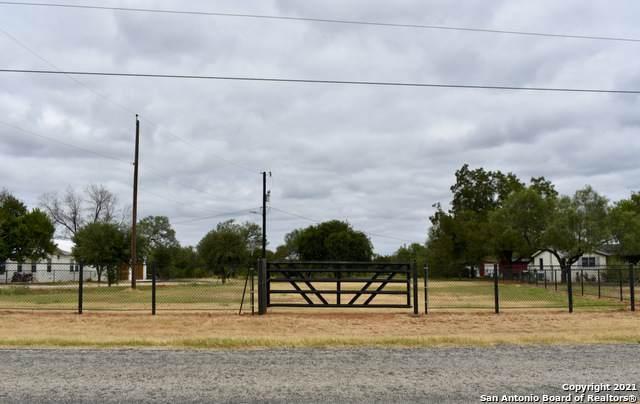 17401 Ih 35 S, Atascosa, TX 78002 (MLS #1560173) :: EXP Realty