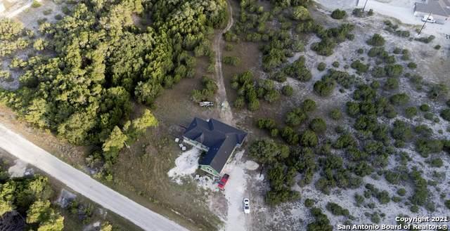 451 Prairie Tea Ln, Canyon Lake, TX 78133 (MLS #1560178) :: Neal & Neal Team