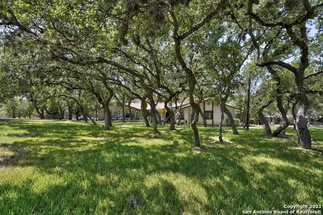309 N Rolling Oaks Ln, San Antonio, TX 78253 (MLS #1560226) :: The Castillo Group