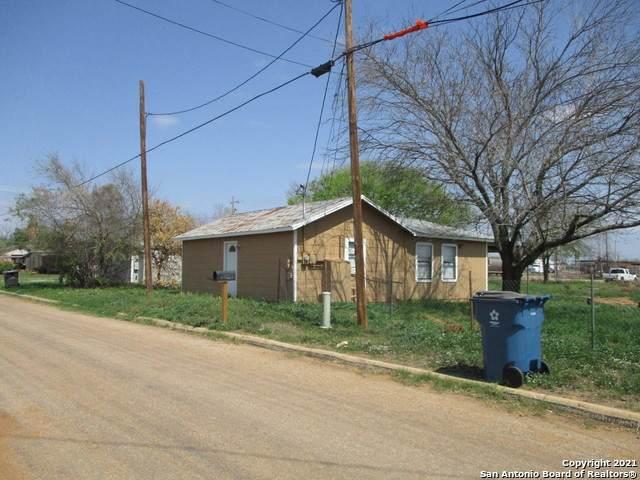 405 S Trueheart, Dilley, TX 78017 (MLS #1560248) :: Beth Ann Falcon Real Estate