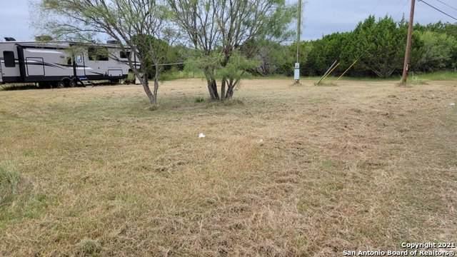 298 Medina Dr, Bandera, TX 78003 (MLS #1560253) :: Exquisite Properties, LLC