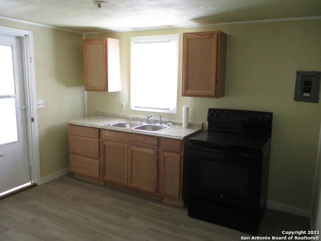 403 S Truhart, Dilley, TX 78017 (MLS #1560290) :: Beth Ann Falcon Real Estate