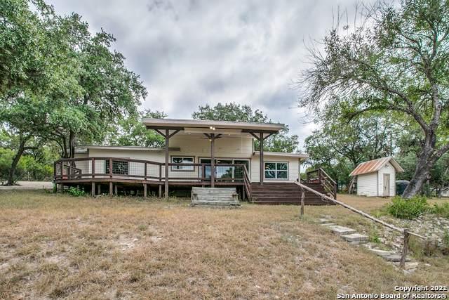 139 Romian Way, Lakehills, TX 78063 (MLS #1560337) :: Phyllis Browning Company