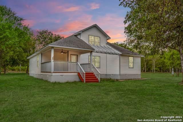 19349 Fm 463, Devine, TX 78016 (MLS #1560368) :: 2Halls Property Team | Berkshire Hathaway HomeServices PenFed Realty