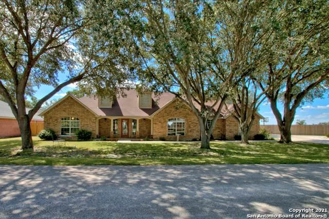 105 Trails End, Seguin, TX 78155 (MLS #1560400) :: Real Estate by Design