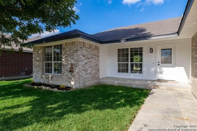 2069 Bentwood Dr, New Braunfels, TX 78130 (MLS #1560410) :: Sheri Bailey Realtor