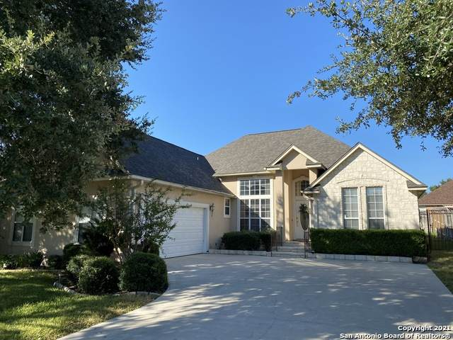 2130 N Ranch Estates Blvd, New Braunfels, TX 78130 (MLS #1560541) :: Sheri Bailey Realtor