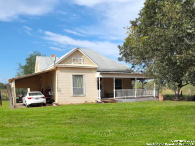 222 Cr 743, Yancey, TX 78886 (MLS #1560581) :: 2Halls Property Team | Berkshire Hathaway HomeServices PenFed Realty