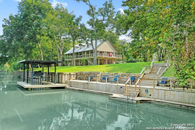 1 River Oak Dr, Seguin, TX 78155 (MLS #1560600) :: Sheri Bailey Realtor
