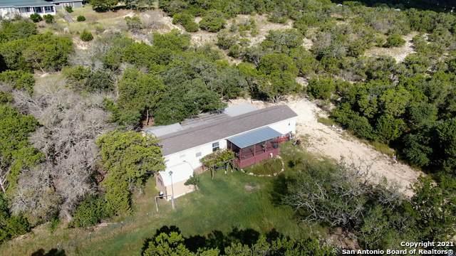 1128 Wright Dr, Bandera, TX 78003 (MLS #1560626) :: Sheri Bailey Realtor