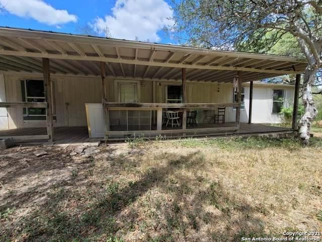 844 County Road 4511, Hondo, TX 78861 (MLS #1560630) :: Carter Fine Homes - Keller Williams Heritage