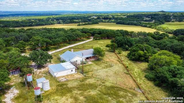 23 Lewis Rd, Boerne, TX 78006 (MLS #1560634) :: Texas Premier Realty