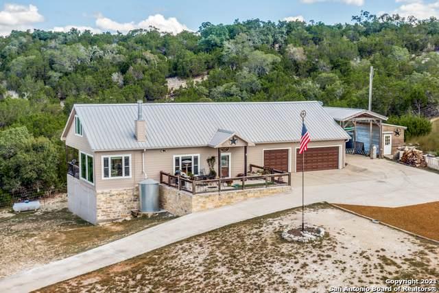 1065 Clear Creek Rd, Blanco, TX 78606 (MLS #1560652) :: Vivid Realty