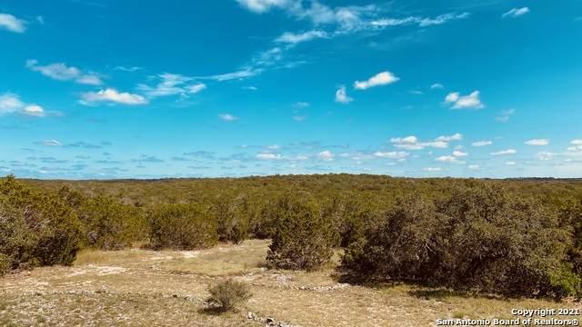 1474 Pr 233, Hondo, TX 78861 (MLS #1560687) :: Texas Premier Realty