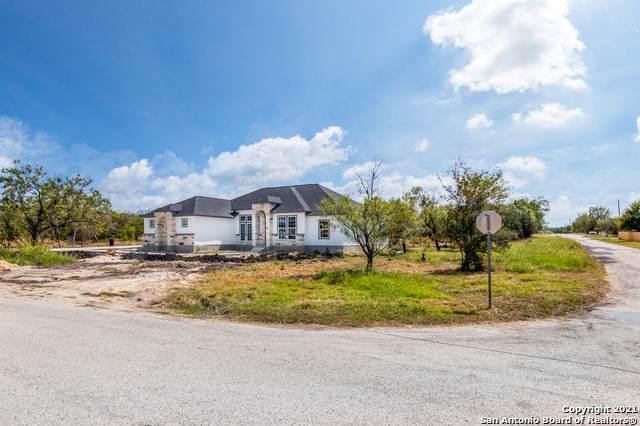 1035 County Road 3822, San Antonio, TX 78253 (MLS #1560749) :: Vivid Realty
