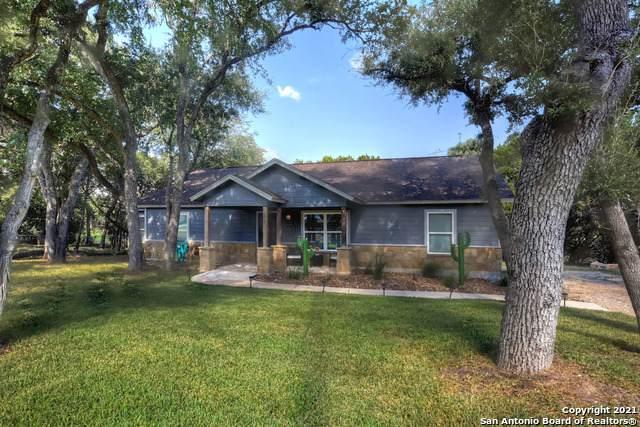 529 Burr Oak Ln, Canyon Lake, TX 78133 (MLS #1560780) :: The Lopez Group