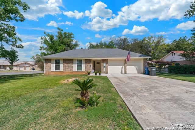 1001 Larkspur, New Braunfels, TX 78130 (MLS #1560827) :: Vivid Realty