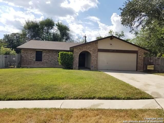 1207 Bay Horse Dr, San Antonio, TX 78245 (MLS #1560843) :: Texas Premier Realty
