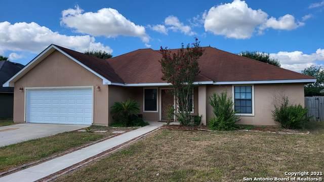 321 Yorktown, Pleasanton, TX 78064 (MLS #1560871) :: Beth Ann Falcon Real Estate