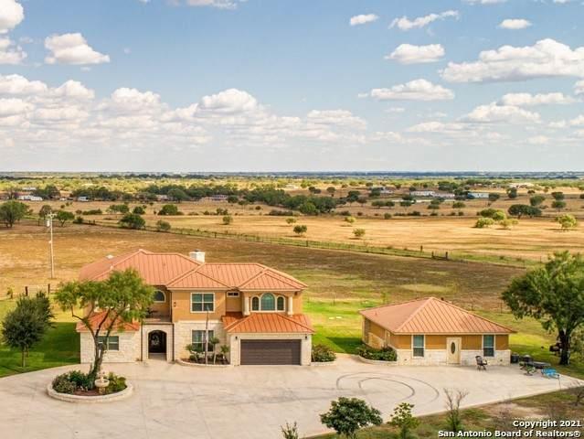 1354 Red Barn Rd, Poteet, TX 78065 (MLS #1560975) :: Phyllis Browning Company