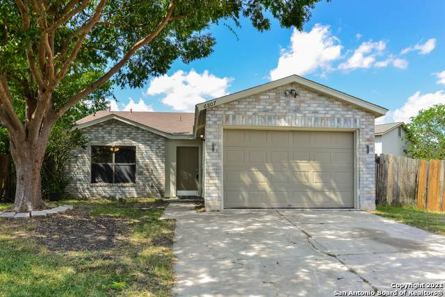 6807 Eden Grove Dr, Converse, TX 78109 (MLS #1561159) :: Carter Fine Homes - Keller Williams Heritage