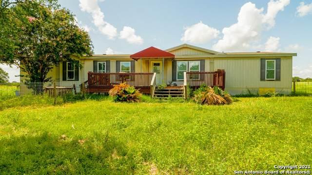 4435 Stapper Rd, St Hedwig, TX 78152 (MLS #1561337) :: Texas Premier Realty