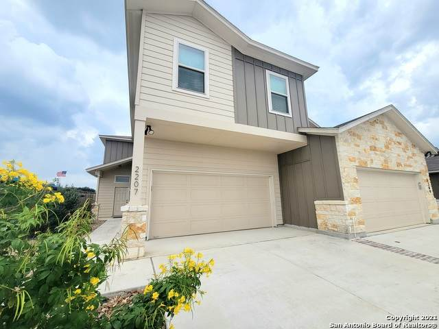 2207 Avery Village, New Braunfels, TX 78130 (MLS #1561339) :: Real Estate by Design