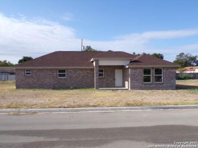428 Huisache Dr., Uvalde, TX 78801 (MLS #1561507) :: The Gradiz Group