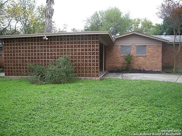 2716 Woodbury Dr, San Antonio, TX 78217 (MLS #1561514) :: The Gradiz Group