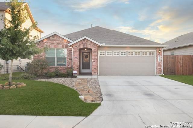2690 Mccrae, New Braunfels, TX 78130 (MLS #1561607) :: The Gradiz Group