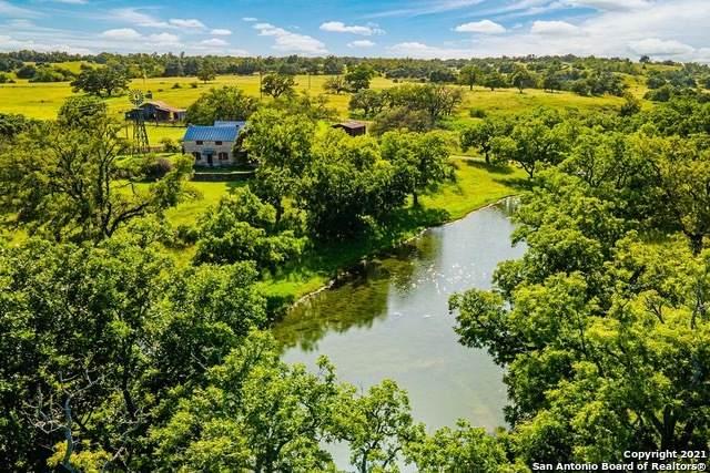7933 W Us Highway 290, Fredericksburg, TX 78624 (MLS #1561717) :: BHGRE HomeCity San Antonio