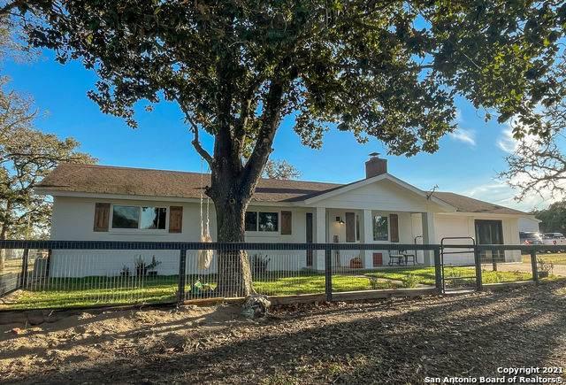 595 Blackjack Oak Rd, Seguin, TX 78155 (MLS #1561729) :: BHGRE HomeCity San Antonio
