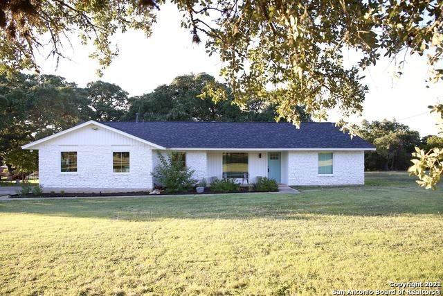 6 Foster Ln, Boerne, TX 78006 (MLS #1561730) :: Carter Fine Homes - Keller Williams Heritage