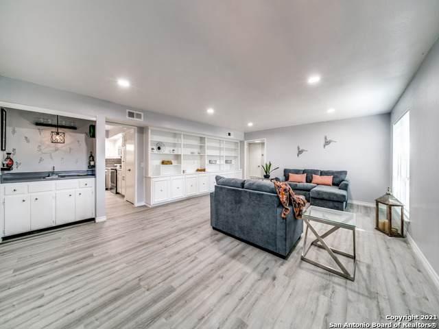 3803 Barrington St 5A, San Antonio, TX 78217 (MLS #1561897) :: Beth Ann Falcon Real Estate