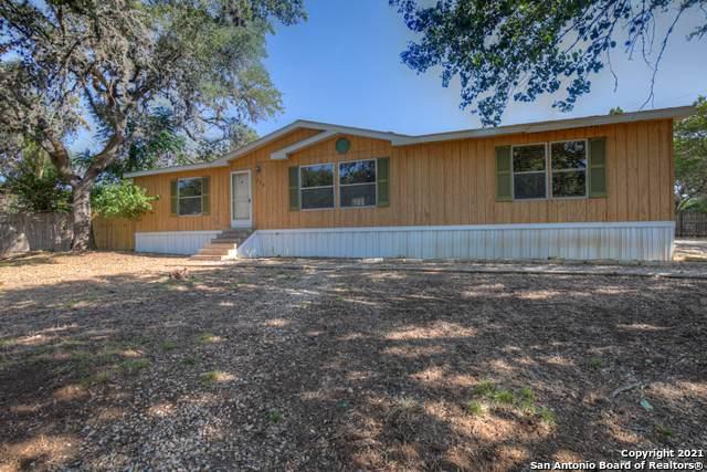 335 Yorktown Dr, Canyon Lake, TX 78133 (MLS #1561918) :: BHGRE HomeCity San Antonio
