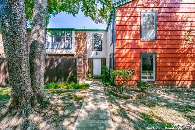 3803 Barrington St 15E, San Antonio, TX 78217 (MLS #1561933) :: Beth Ann Falcon Real Estate