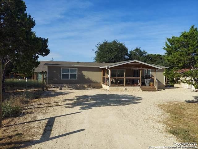 1965 Deer Run Pass, Canyon Lake, TX 78133 (MLS #1561960) :: BHGRE HomeCity San Antonio
