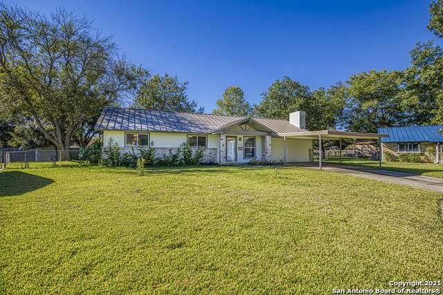 100 Forest Way, Schertz, TX 78154 (MLS #1562053) :: BHGRE HomeCity San Antonio