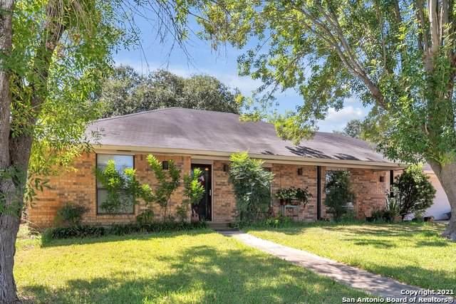 323 Crownhill Dr, Pleasanton, TX 78064 (MLS #1562060) :: Vivid Realty